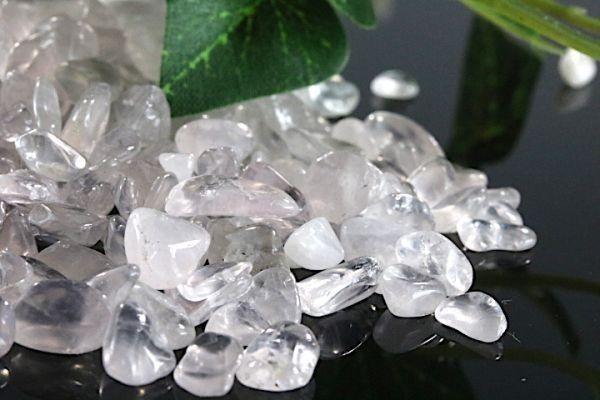 【送料無料】 200g さざれ 小サイズ ミルキー クオーツ 乳白 水晶 パワーストーン 天然石 ブレスレット 浄化用 さざれ石 チップ ※1_画像4