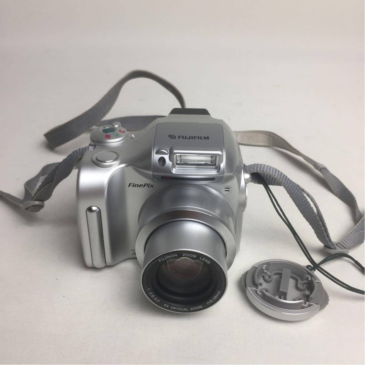 Z019 ★FUJIFILM FinePix 2800Zoom 1:2.8-3.0 6X OPTICAL ZOOM f=6-36mm デジタルカメラ