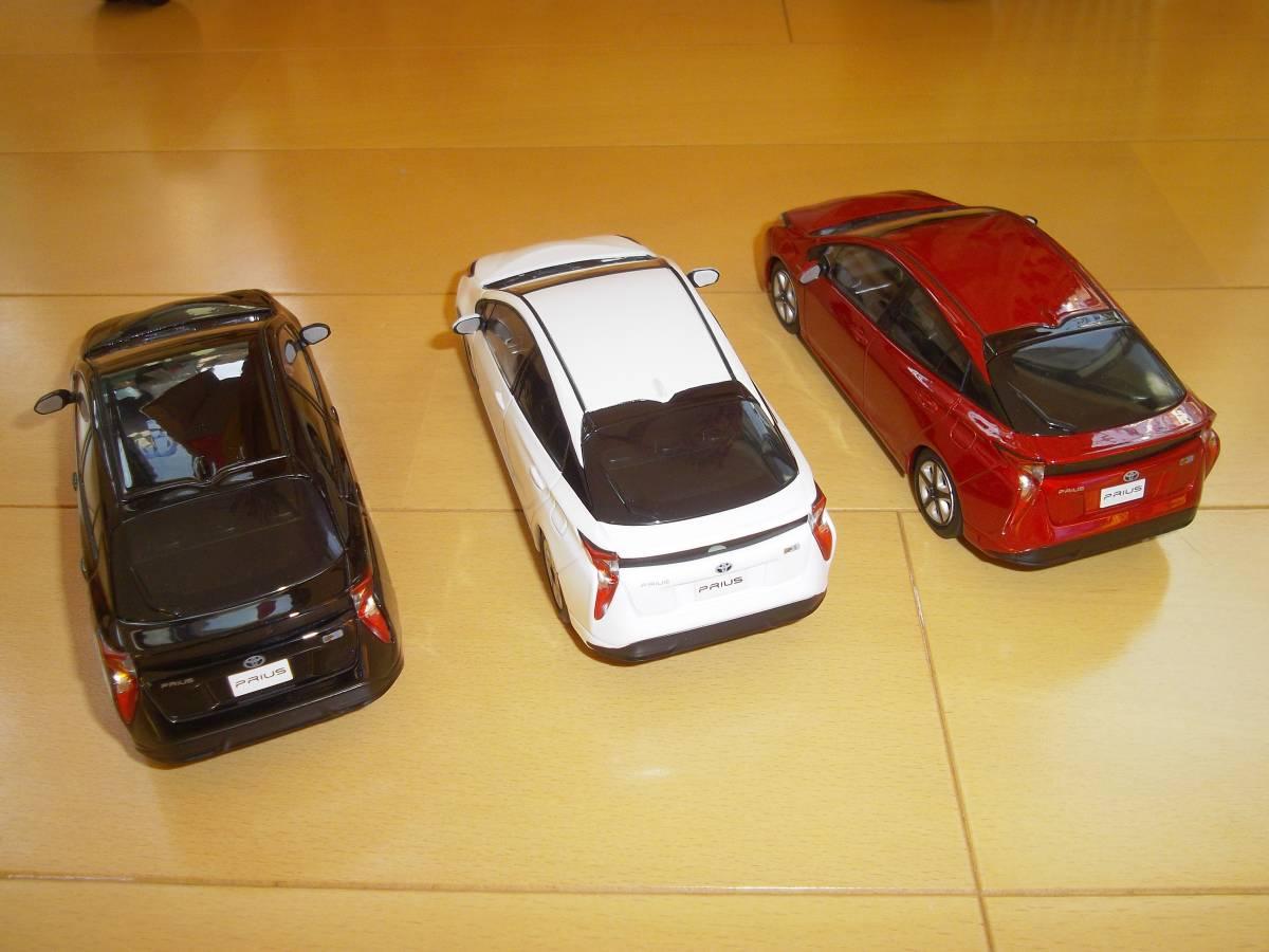 ★トヨタ非売品50系プリウス1/30ミニカー3台黒赤白セット箱なし美品★_画像2