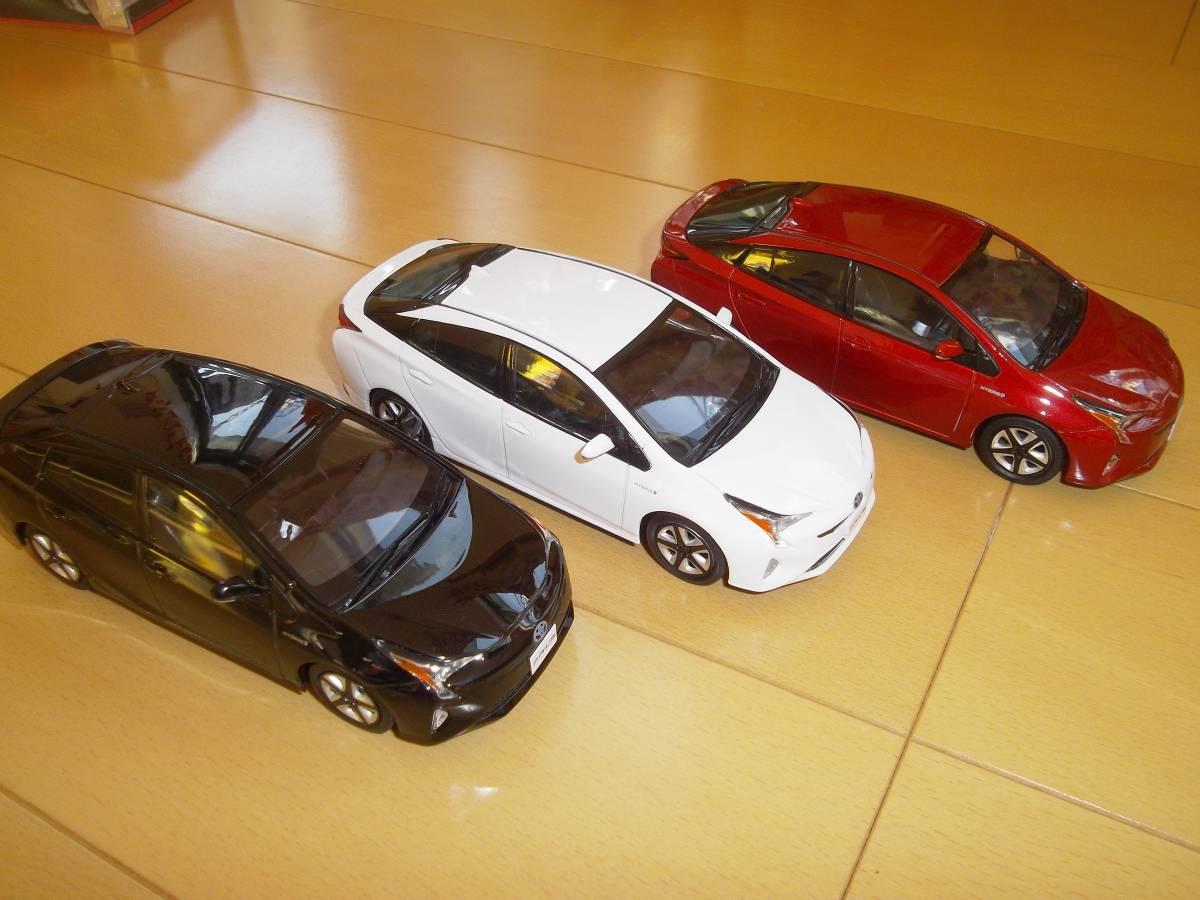 ★トヨタ非売品50系プリウス1/30ミニカー3台黒赤白セット箱なし美品★_画像1