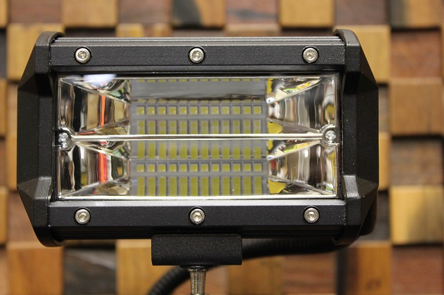 ★爆光★⑥マキタ コンパクト パノラマ LED 72W バッテリー ライト 14.4v 18v 充電式 投光器 集魚灯 インパクト 大 オマケ!_画像8