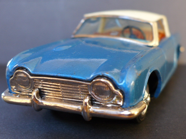 ■ レア 当時物 60's 自動車 乗り物 TRIUMPH TR4 トライアンフ バンダイ製 ブリキ