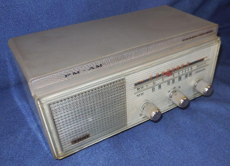 FM SW MW 3バンド小型真空管ラジオ・TRIO・トリオ・AF-251・感度良好