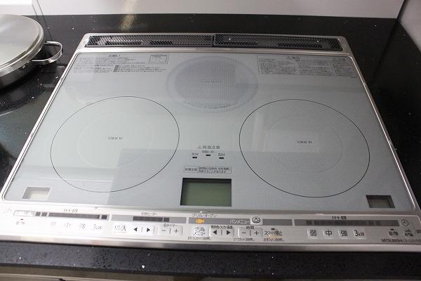 □タカラ システムキッチン レミュー 大理石 IHクッキングヒーター 展示品_画像3