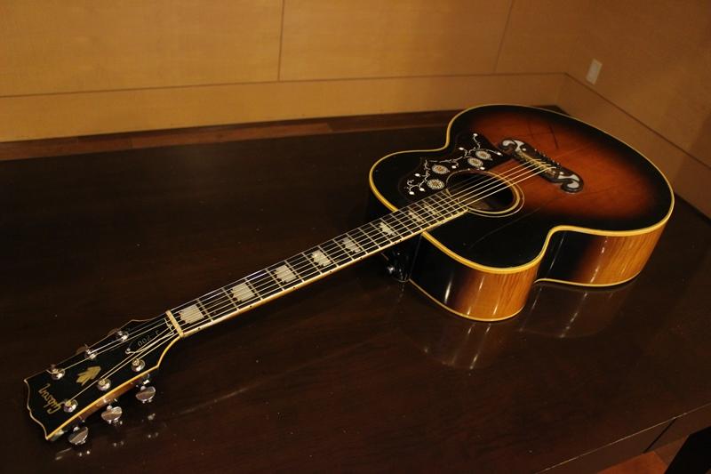 1968年製 J-200 ギブソンアコースティックギター ビンテージ