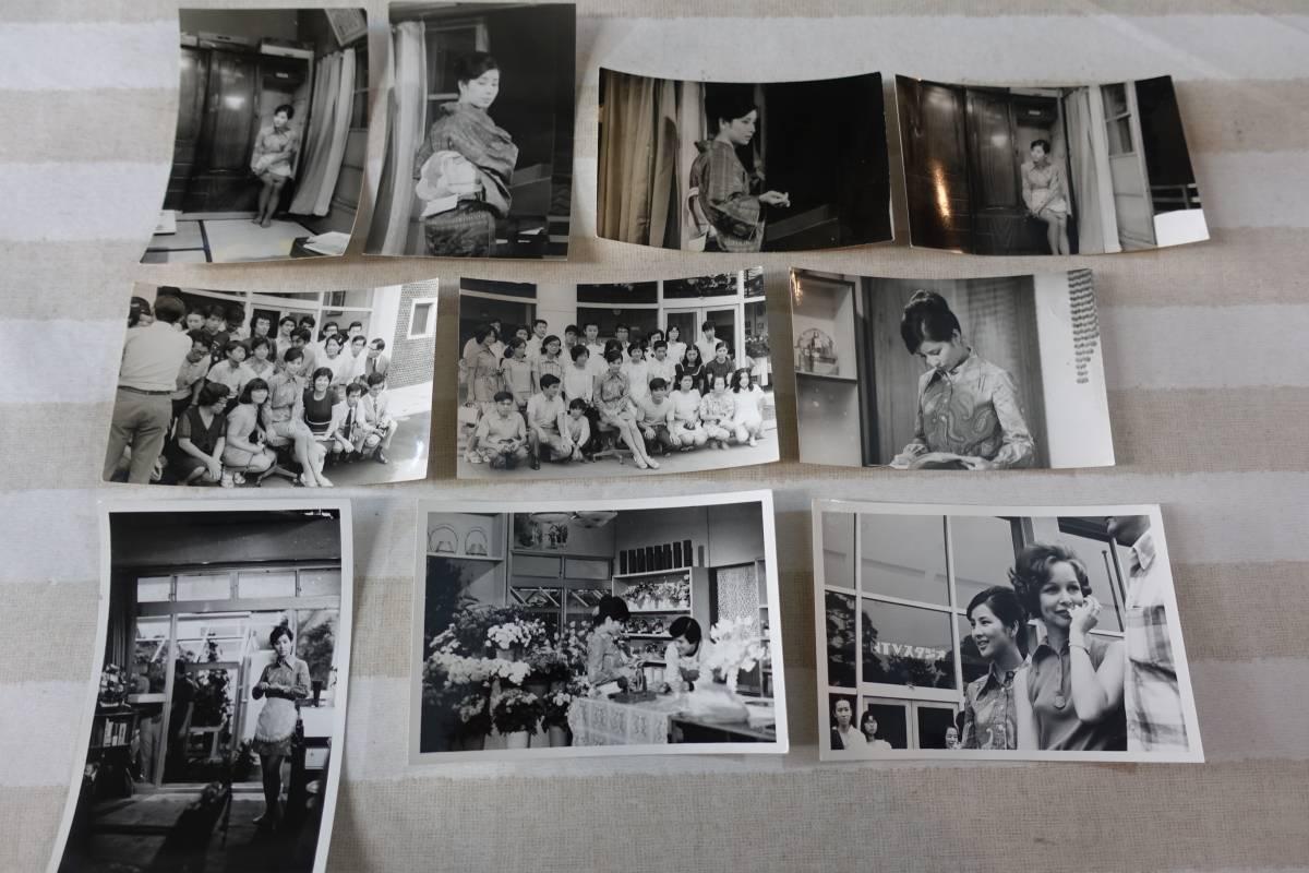 2965吉永小百合生写真10枚セット ドラマ「花は花よめ」スタジオ