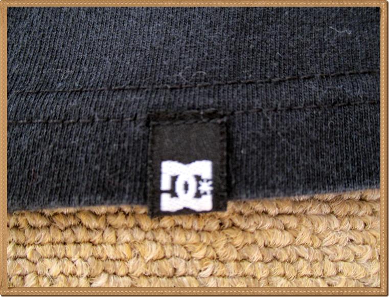 ☆634 DC SHOES ディーシーシューズ ◆格好良い カモフラ プリント◆ メンズ XL スケボー スポーツ 迷彩 丸首 半袖 Tシャツ ロゴプリ 黒_前左裾タグ