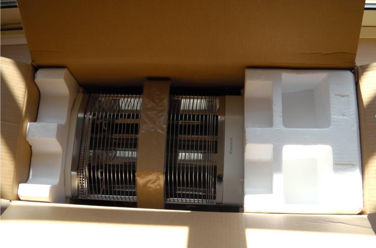 ダイキン DAIKIN  (中古) ERFT11KS 遠赤外線暖房機 セラムヒート パールホワイト_画像2