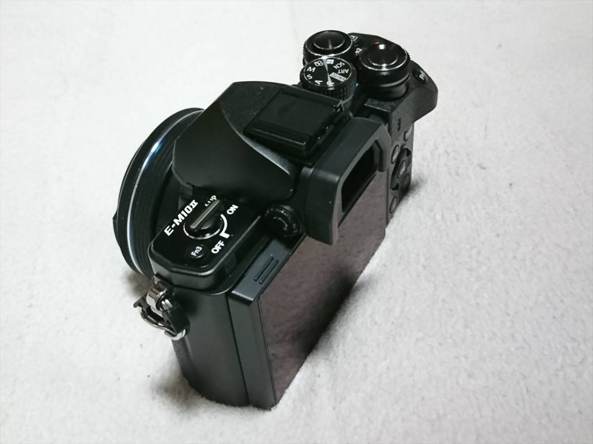 ★☆OLYMPUS オリンパス OM-D E-M10 Mark II 14-42mm EZレンズキット 自動開閉レンズキャップ付 美品!送料込!☆★_画像3