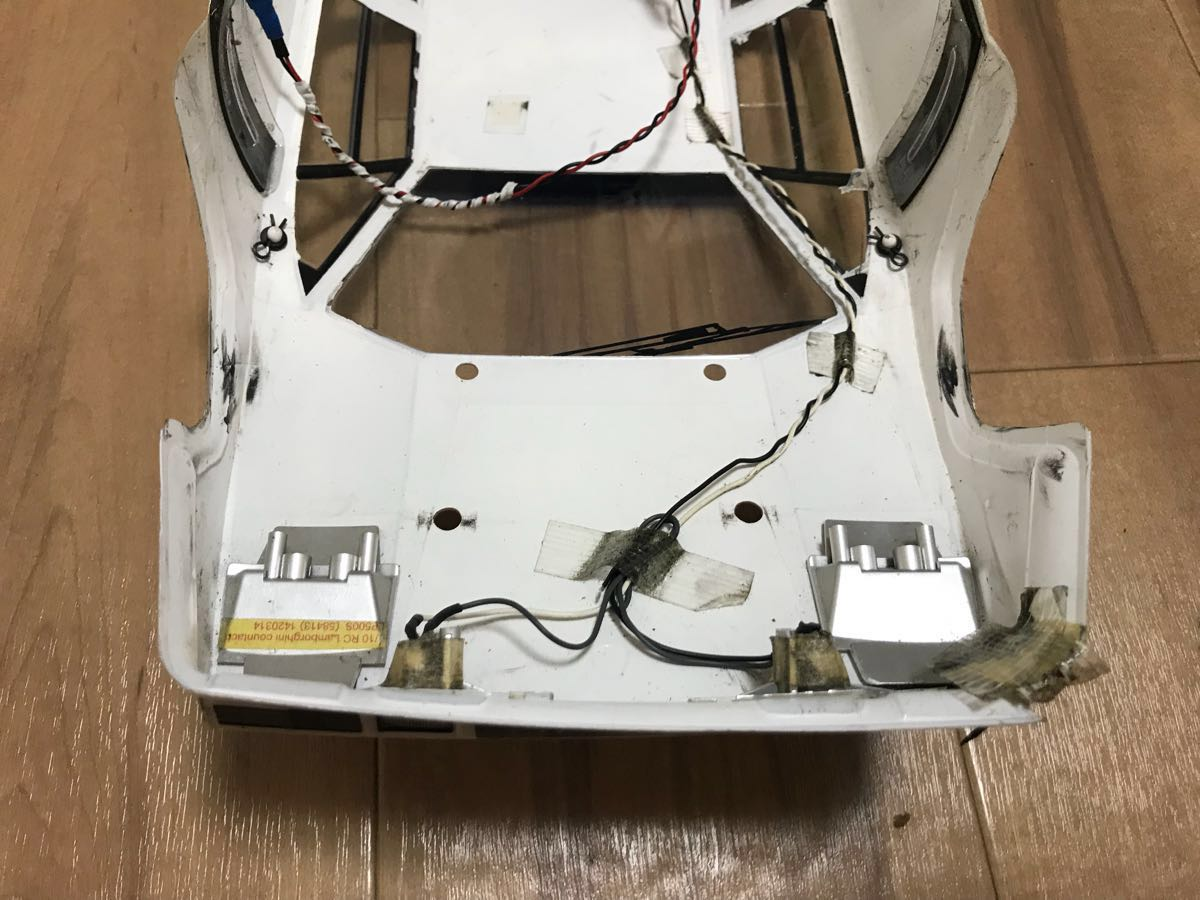 【タミヤ】ランボルギーニカウンタック LP500S ボディのみLEDライトユニット付 【ジャンク】_画像8