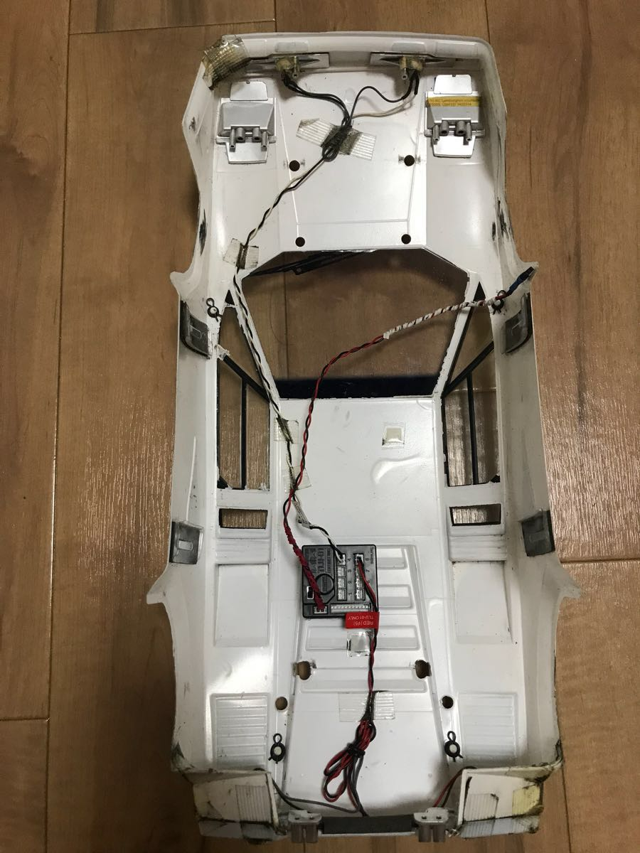 【タミヤ】ランボルギーニカウンタック LP500S ボディのみLEDライトユニット付 【ジャンク】_画像2