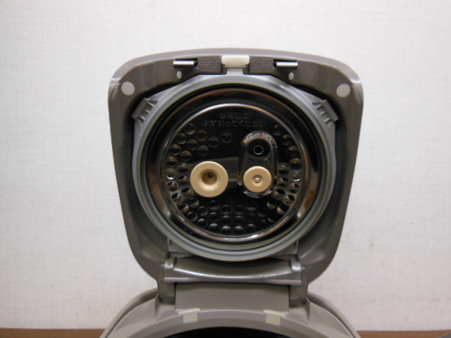 【1円スタ】象印 NP-NE10 真空圧力IH炊飯器(5.5合炊)極め炊き 2011年_画像4