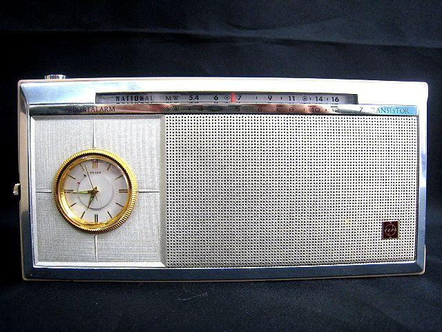 ●レトロ アンティーク● ナショナル SEIKO セイコー トランジスターラジオ T-94 時計 手巻き 昭和 ディスプレイ 002111-i02y_画像2