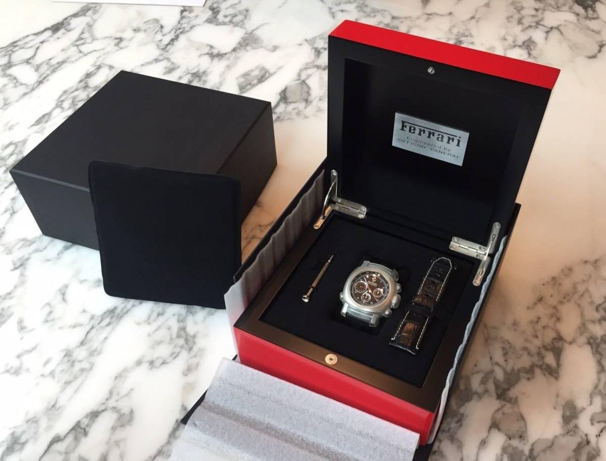 本物 150万円 PANERAI パネライ フェラーリ・グラントゥーリズモ・ラトラパンテ自動巻きFER00005 メンズ腕時計【2回のみ使用の極美品】_画像6