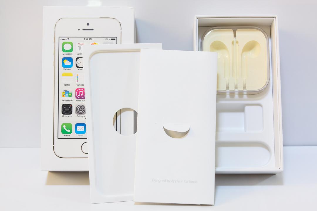 ★ iPhone 5s 32GB ゴールド / docomo / 判定〇 / 1円スタート ★_画像3