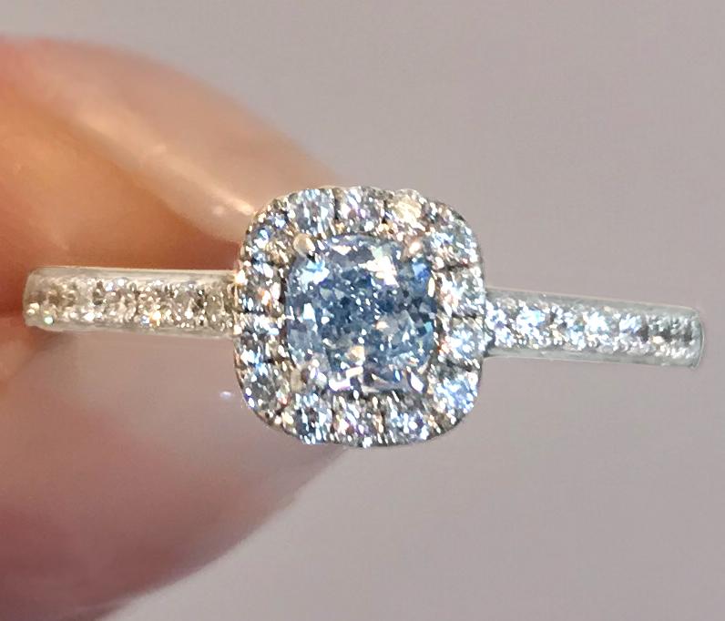 《BLUE DIAMOND》750 天然ブルー ダイヤモンド 0.28ct リング 中央宝石研究所 VVS1 naturalcolor D 0.26ct 《COLORDIAMOND》_画像2