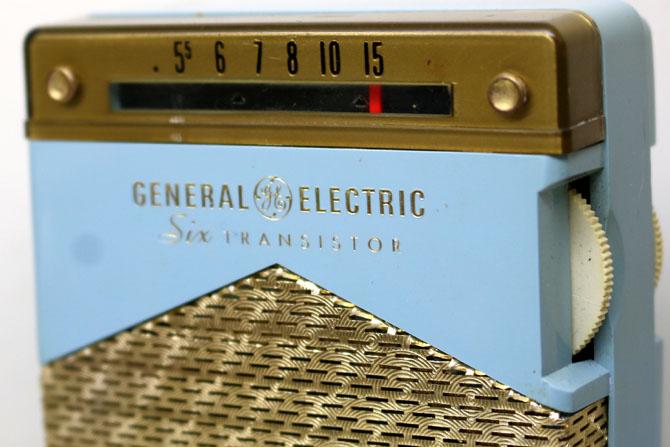 ◆◆1950-60年代/GENERAL ELECTRIC P831C-BLUE/トランジスターラジオ/GE社/6TRANSISTOR/MADE IN U.S.A./as is/オリジナルケース付き