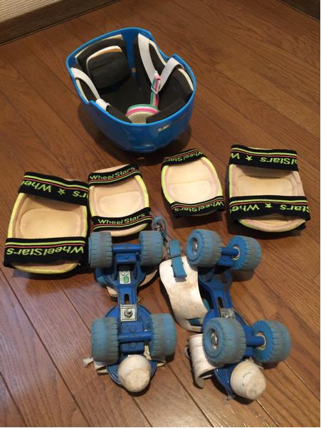 昭和レトロ 懐かしのローラースケート 【18cm~23cm】 肘 膝パッド ヘルメットつき_画像3