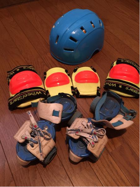 昭和レトロ 懐かしのローラースケート 【18cm~23cm】 肘 膝パッド ヘルメットつき