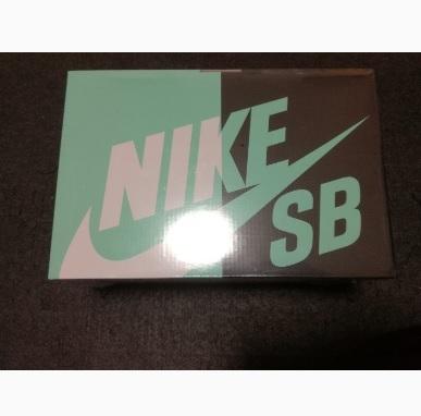 BE@RBRICK NIKE SB BLACK 100% & 400%_画像2