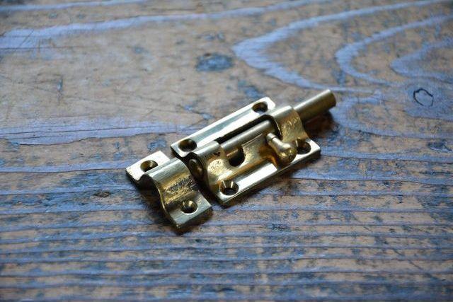 NO.7022 古い真鍮鋳物のラッチ 36mm 検索用語→A50gアンティークビンテージ古道具真鍮金物扉ドア引き戸ケビント_画像3