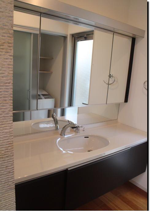 ハウスメーカーオリジナル 洗面化粧台 大鏡 ミラーキャビネット収納 W1720 陶器天板■展示取り外し品