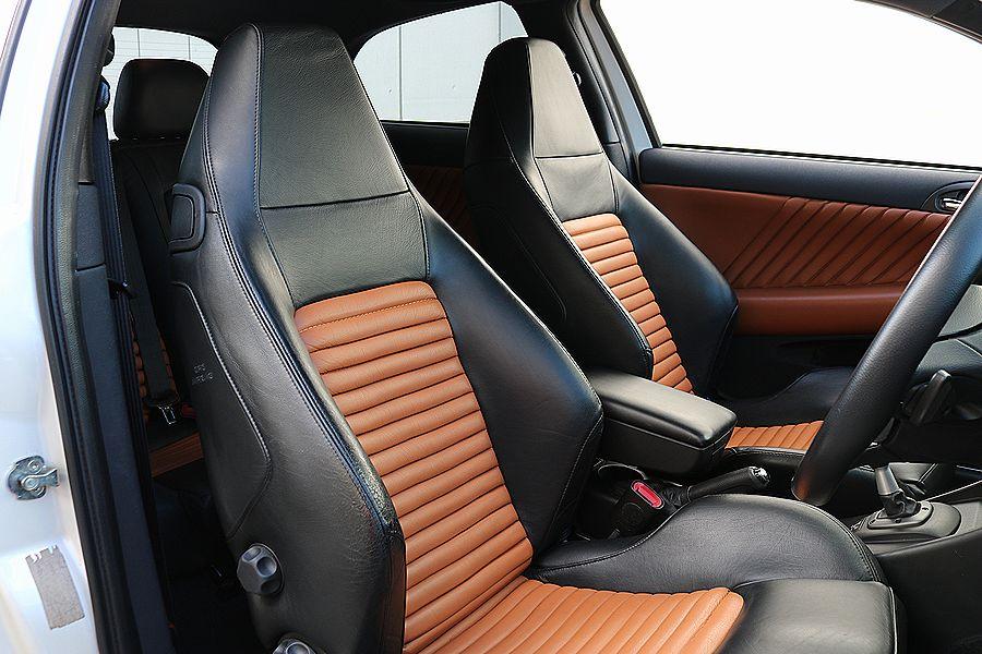 【 超レア / ヌヴォラ ホワイト 】 2005y / アルファロメオ / 147 GTA / 最上級モデル / イモラレザー / 専用内外装_画像8