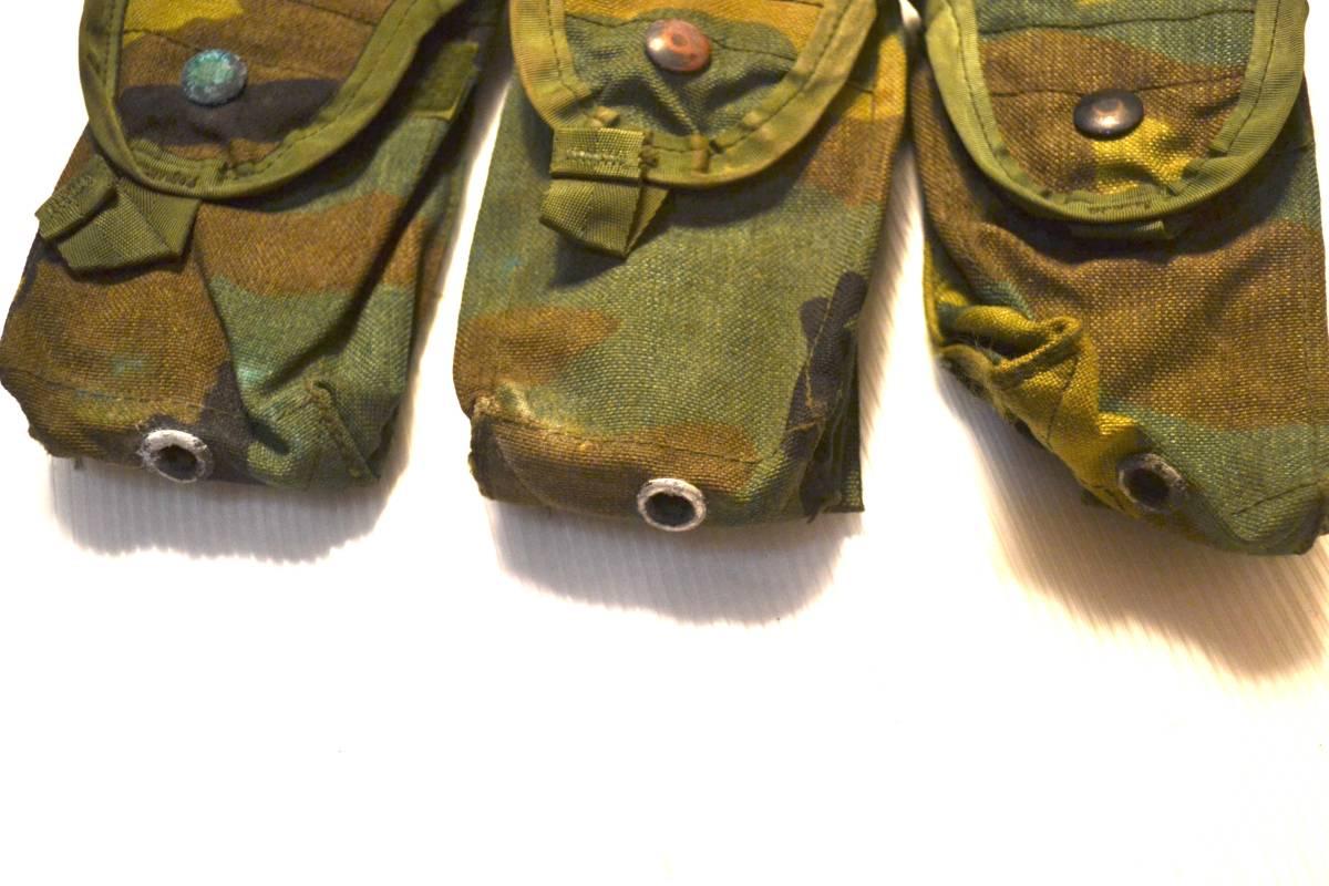 米軍放出品 実物 USMC 米海兵隊 US ARMY ウッドランド 迷彩 M4 M16 5.56mm 30連 シングルマガジンポーチ 3つセット_画像2