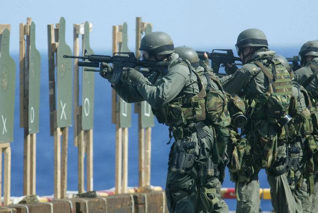 米軍放出品 実物 USMC 米海兵隊 US ARMY ウッドランド 迷彩 M4 M16 5.56mm 30連 シングルマガジンポーチセット FSBE RECON_画像7