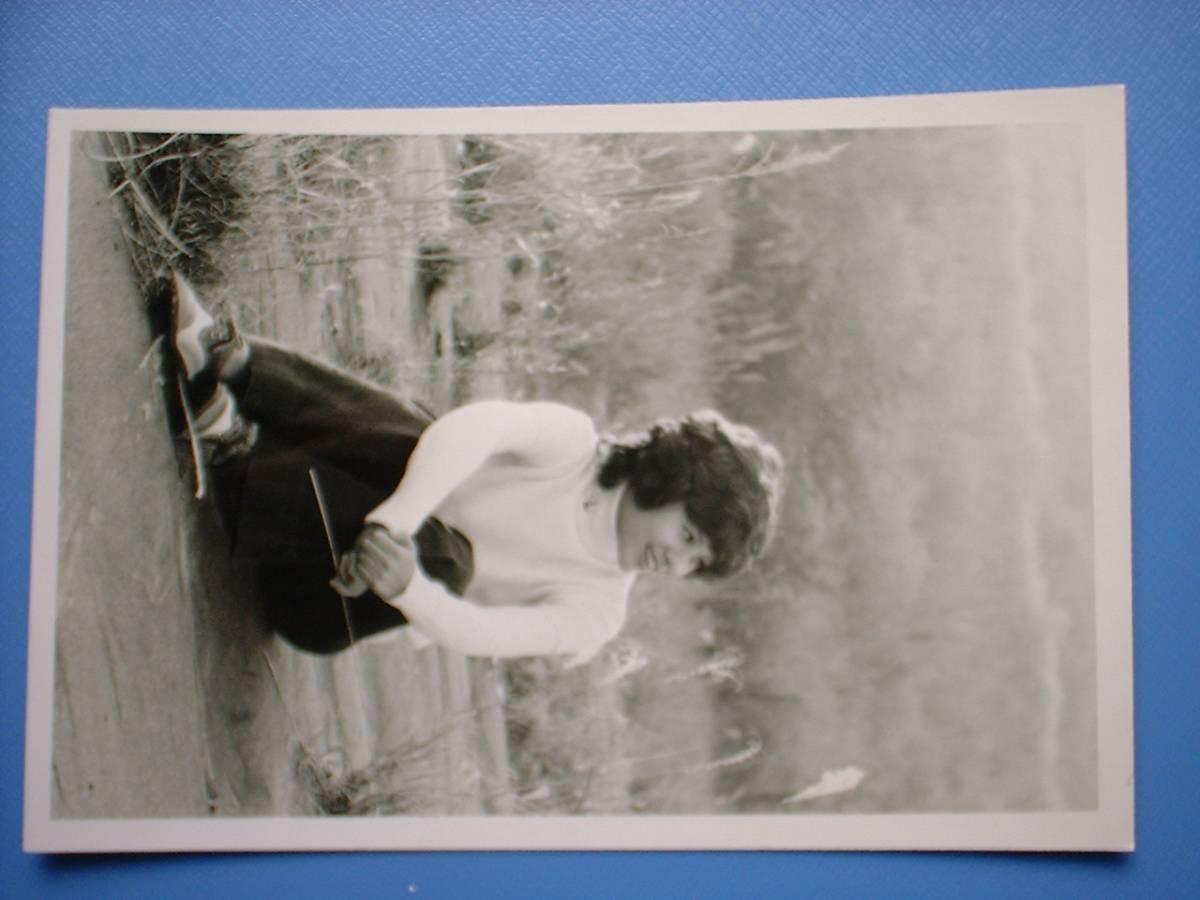 天地真理 白黒写真 1枚 1972年