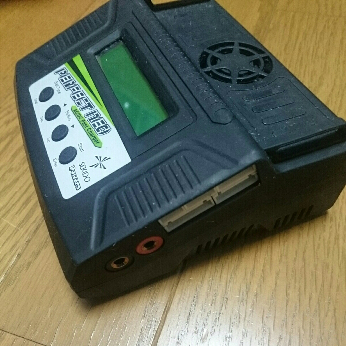 Powers パーフェクト ネオ 急速充電器 動作OK ジャンク / リポ、リフェ、ニカド、ニッケル水素_画像6