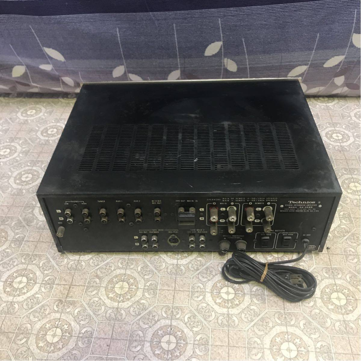 13-1(HL401)Technics テクニクス プリメインアンプ SU-3300 通電OK ジャンク品_画像3