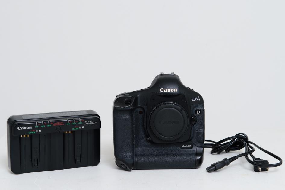 Canon/キャノン EOS-1D Mark IV ブラック USED品/美品