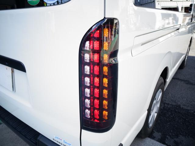 1000円~売り切り!!ハイエース&レジアスエース200系 標準 ワイド共通 流れるウィンカー LEDテール 1型~4型対応 左右セット