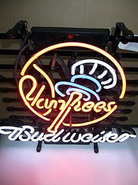 【アメリカ雑貨】送料無料 ネオン Yankees × Budweiser / ヤンキース × バドワイザー / 看板 / 中古