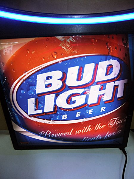 【アメリカ雑貨】 送料無料 LEDネオン BUD LIGHT / バド ライト / Budweiser バドワイザー / ネオン / 看板_画像3