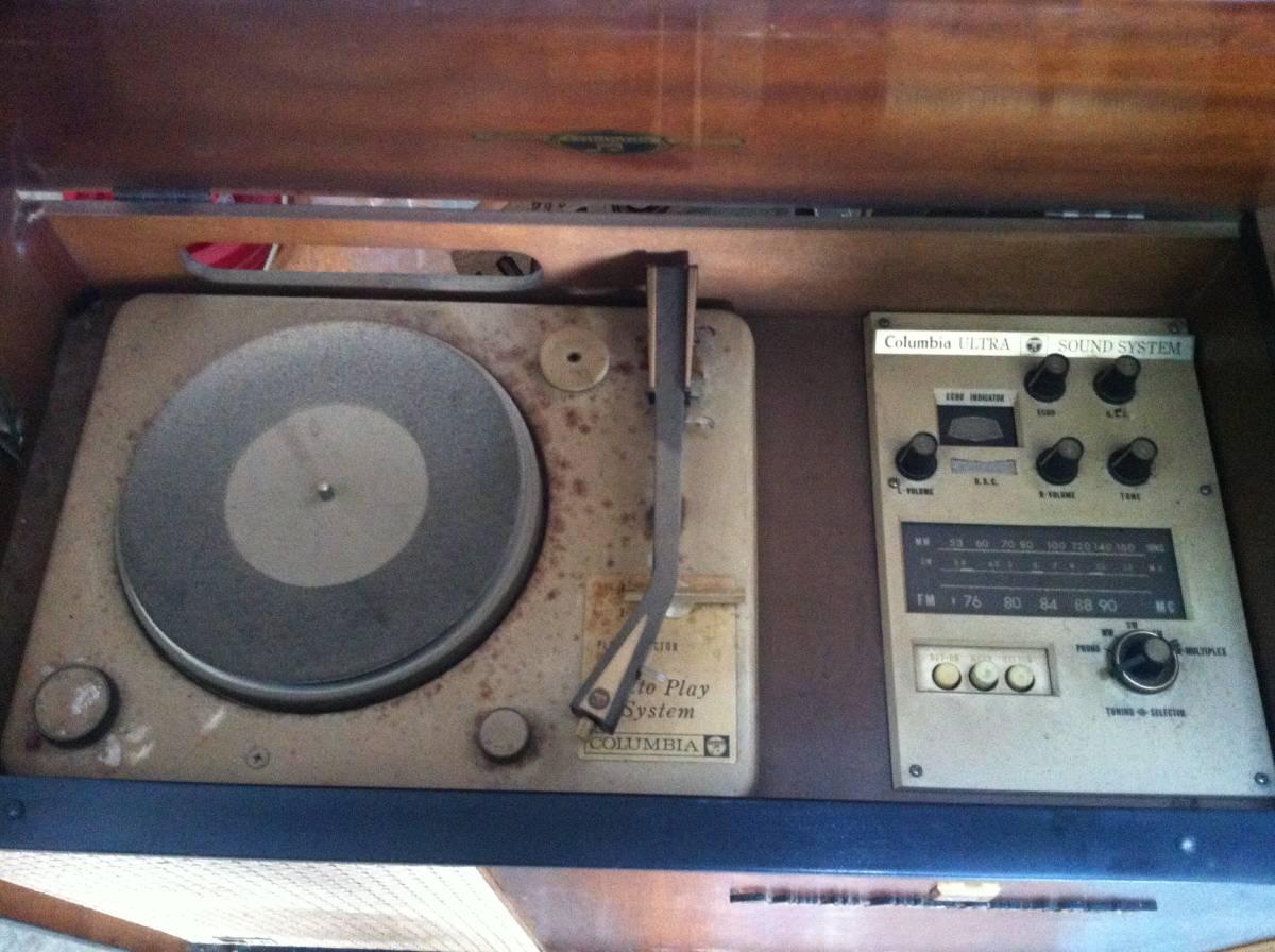 レトロ Columbia ULTRA SOUND SYSTEM MODEL SSA-745 ラジオ付きレコードプレーヤー_画像3