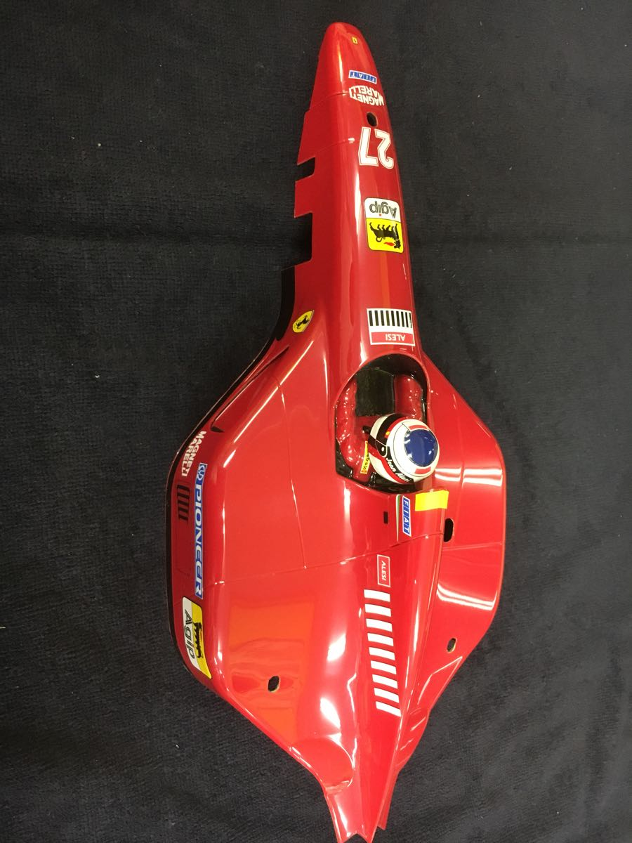 1/10 F1 フェラーリ ボディ 前後ウイングつき 412T1 ジャンク扱い_画像3
