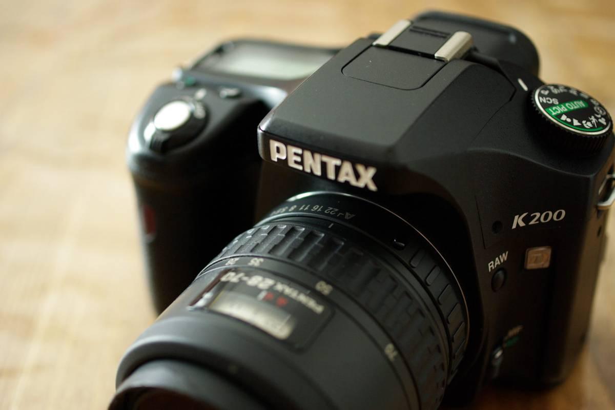 名機 PENTAX K200D 防塵・防滴、単三電池駆動