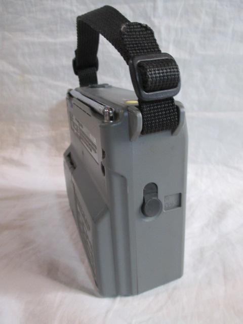 ◆◇ソニー SONY ICF-B100 AM/FMラジオ ライト・非常用ブザー付 作動品◇◆_画像4