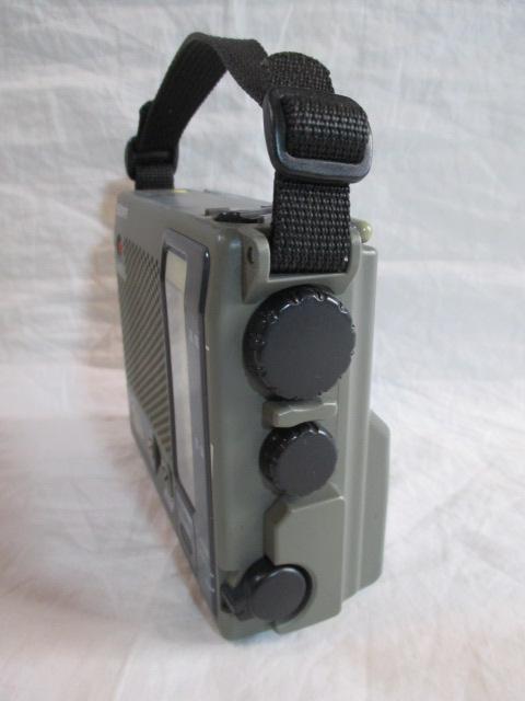 ◆◇ソニー SONY ICF-B100 AM/FMラジオ ライト・非常用ブザー付 作動品◇◆_画像3
