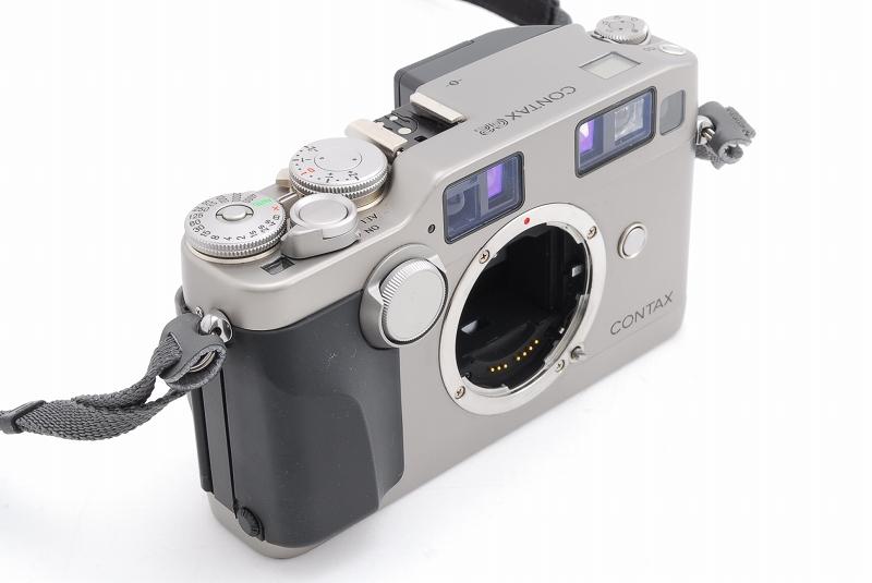 超人気 Contax コンタックス G2 レンジファインダー フィルムカメラ Planar 45mm F2 レンズ TLA140 フラッシュ等 付属品多数_画像3