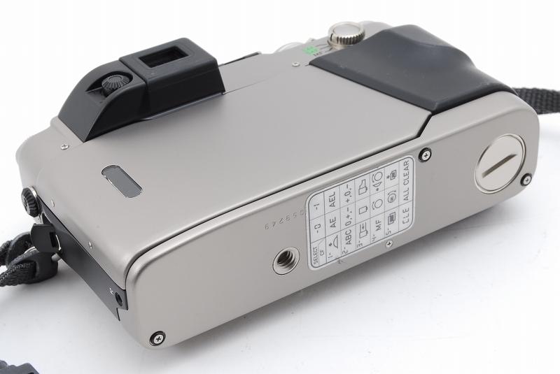 超人気 Contax コンタックス G2 レンジファインダー フィルムカメラ Planar 45mm F2 レンズ TLA140 フラッシュ等 付属品多数_画像6