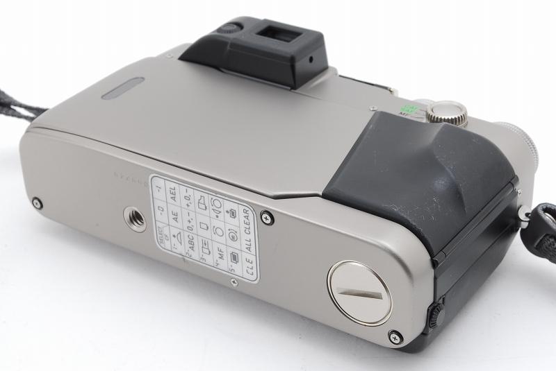 超人気 Contax コンタックス G2 レンジファインダー フィルムカメラ Planar 45mm F2 レンズ TLA140 フラッシュ等 付属品多数_画像7
