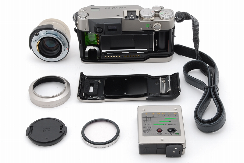 超人気 Contax コンタックス G2 レンジファインダー フィルムカメラ Planar 45mm F2 レンズ TLA140 フラッシュ等 付属品多数_画像8