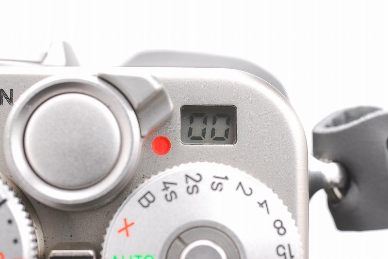 超人気 Contax コンタックス G2 レンジファインダー フィルムカメラ Planar 45mm F2 レンズ TLA140 フラッシュ等 付属品多数_画像10