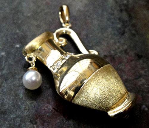 253-1817F30 K18 金 GOLD ゴールド 天然 本物 パール 真珠 ダイヤ 0.02ct ホイッスル 笛 チャーム ペンダントトップ 壺 壷 アンティーク_画像2