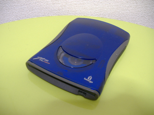 【Iomega Zip drive ZIP250 bus power USB connection Win7 operation check】