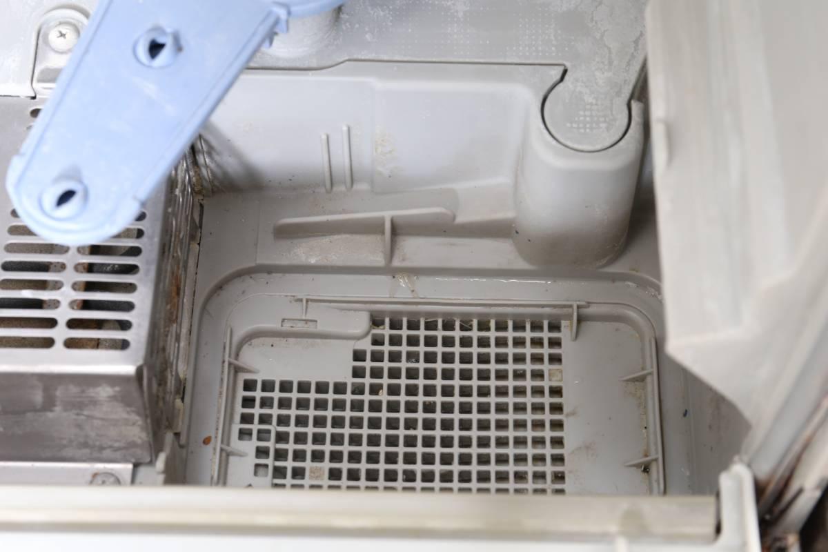 ★【動作品】 Panasonic エコナビ NP-TR5 食器洗い乾燥機 ホワイト 食洗機 排水・給水ホース付 パナソニック (C-859)_画像5