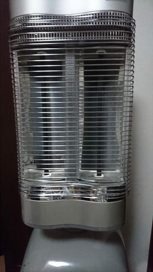 【中古】ダイキン遠赤外線暖房機 2013年製
